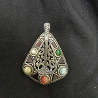 Celtic gemstone Miracle pendant silver tone metal Boho Hippie Gypsy Gothic vintage 70s.