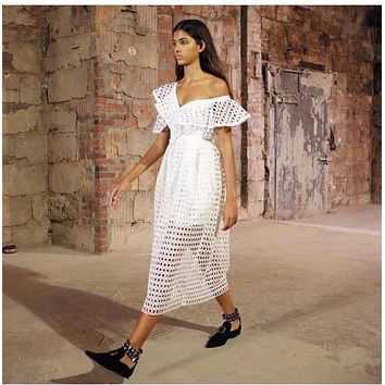 White long Lace Dress Off Shoulder Ruffles Sleeve Ladies Sexy Dress 2017 New Summer Hollow Out Sexy Female Party Dress