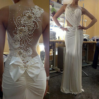 Amazing White Pearls Long Evening Dresses With Bow Sheer Back Sleeveless Sexy Formal Occasion Wedding Party Gowns Plus Size