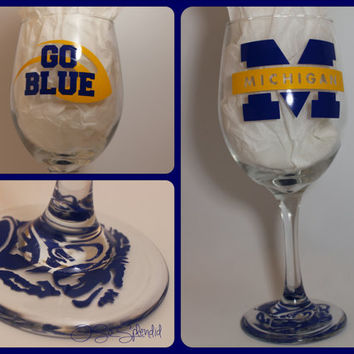 University of Michigan - Wolverines - Go Blue! - 20 oz Wine Glass - Sip in style!