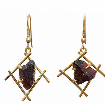 Gold Plated Brass Rough Gemstone Garnet Dangle Earrings SC10377