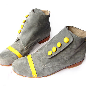 Bootie gray and yelow leather