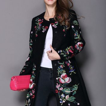 2017Autumn Winter Long Coat Vintage Embroidery Cashmere Trench Slim Black/White Woolen Coat Overcoat