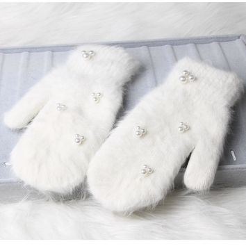 Fashion women winter gloves Luxury Pearl Decoration Rabbit Fur Gloves For Girl winter outdoor Female mittens 6 Color