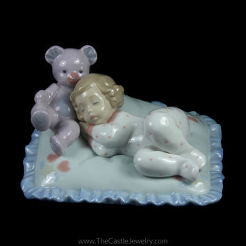 "Lladro 6790 ""Counting Sheep"" Porcelain Figurine Collectors Item"