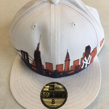 NEW ERA RETRO NEW YORK YANKEES WHITE CITY DESIGN 5950 FLAT BRIM FITTED HAT