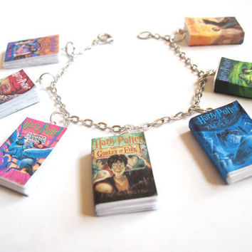 Harry Potter Mini Book Charm Bracelet (US Editions)