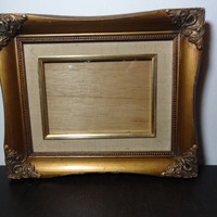 Vintage 5 x 7 Gold Ornate Carved Wood Picture Frame with Beige or Off White Linen Matte
