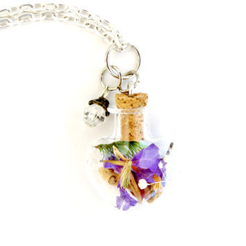 Terrarium Necklace Purple Forget Me Not Flowers, Moss and Crystal, Nature Jewelry Glass Heart Pendant, Fairy Garden Style Spring Woodland