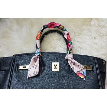 GUCCI Invite and flowers-print silk neck bow