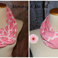 Mommy & Me Quatrefoil Pink Infinity Scarf Lightweight Jersey Knit Soft Double Loop Scarf Women's Girl's Accessories