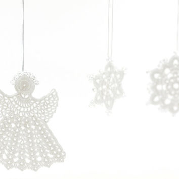 Snowflake Christmas Ornament/ White Angel Ornament/ Enchanting Decoration / Crochet Lace Snowflakes / Set of 3 / Xmas Tree / Winter Decor