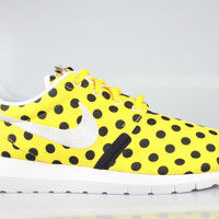 Nike Men's Roshe Run One NM Polka Dot Pack Yellow