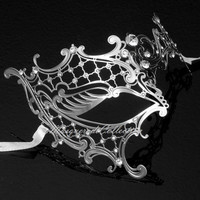 Masquerade Mask Collection - Silver Venetian Phantom Mask with Elegant Diamonds