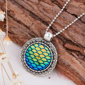 DCCKLW8 DoreenBeads Handmade Druzy Drusy Resin Cabochon Fish Scale Mermaid Pendant Necklace New Fashion Bohemia Woman Jewelry 1Piece