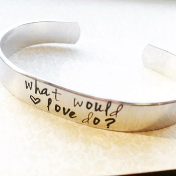 what would love do? que ferait l'amour? choose your english or french version one aluminium 3/8 bracelet