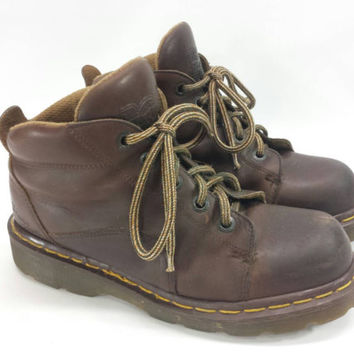 Vintage Dr Martens Brown Leather Ankle Boots Vintage Made in England Docs 90s Grunge 5 Eye Lace Up Style 8444 aw004 Womens Size 7 US 5 UK