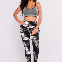 All Over The Place Print Leggings - Black