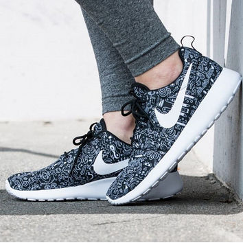 NIKE Women Men Running Sport Casual Shoes Sneakers Graffiti Black print