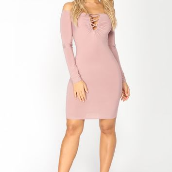 Behati Off Shoulder Dress - Mauve