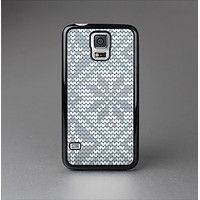 The Knitted Snowflake Fabric Pattern Skin-Sert Case for the Samsung Galaxy S5