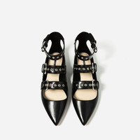FLAT STRAPPY SHOES New