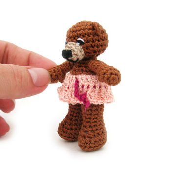 Miniature crochet girl bear, little teddy bear, small pet animal, small bear, mini bear, small amigurumi bear, crochet bear, loved bear