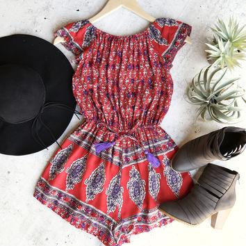 reverse - strapless off the shoulder boho print romper in red