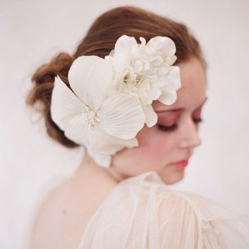 Bridal hair piece, wedding hair flower - Silk poppy and velvet hair comb, bridal - Creamy bouquet - Style 101 - Made to Order