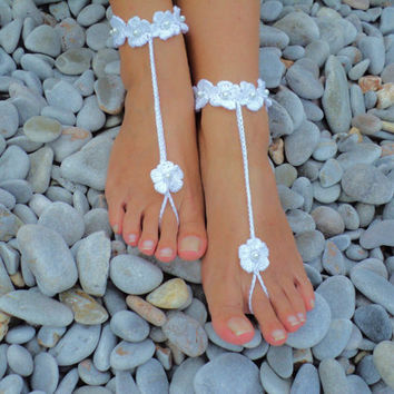 Silver Barefoot Sandals in a Flower and Pearl Design Wedding Sandals,Foot Jewelry,Toe Ring, Wedding Favors