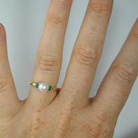 Pearl and Emerald Ring 14K Gold