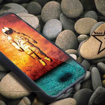 brand new deja entendu iPhone Case, iPhone 4/4S, 5/5S, 5c, Samsung S3, S4 Case, Hard Plastic and Rubber Case By Dsign Star 08
