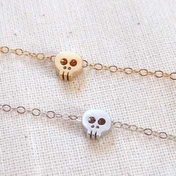 Tiny silver skull bracelet - Sterling Silver - dainty everyday jewelry