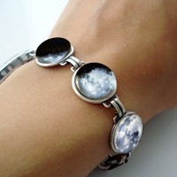 Moon Phase Bracelet With 7 Images | Buy Now IFLS Store