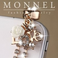 Ip570 Luxury Crystal Rose LOVE Charm Chain Anti Dust Earphone Plug Stopper for Android Smart Phone iPhone