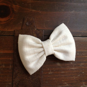 Beautiful cream colored linen large hair bow from Seaside Sparrow. Perfect gift for graduation or birthday.