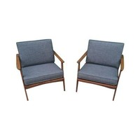 Pre-owned Mid-Century Style Lounge Chairs - A Pair