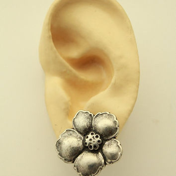Antique Style Silver Flower Button Magnetic Earrings 25 x 23 mm