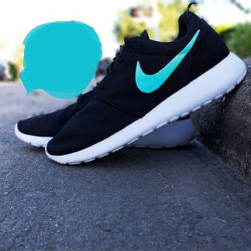 gift box blue Nike Roshe Runs