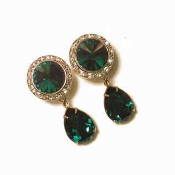 5/8 9/16 1/2 7/16 Emerald Green and Gold Dangle Hanging Ear Plugs Gauges Tunnels or Studs Made With SWAROVSKI Elements Wedding Bridal