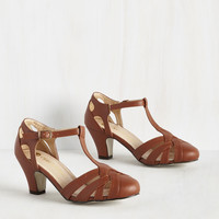 Swing You Off Your Feet Heel in Cognac | Mod Retro Vintage Heels | ModCloth.com
