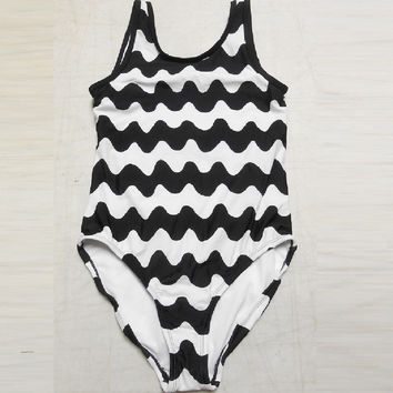 Marimekko Women's Back Strap 1pc Tank Swimsuit, XLarge, Black/White Chevron