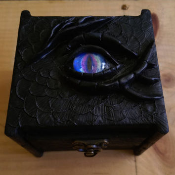 Dragon's Eye Sculptured Box, Glass Eye Black Dragon, Trinket Box, Gifts for Men, Dragon Collector, Gothic, Medieval, Sculpture, Jewelry Box