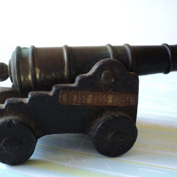 Mini Brass Cannon Cast Iron Base Betsy Ross House Plaque Miniature Cannon Vintage Souvenier