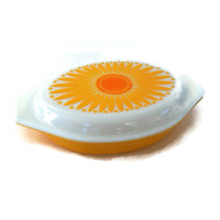 Retro Pyrex Casserole, Sunflower, Divided with Lid, Yellow and White, Vintage Kitchen, Ovenware, Daisy, Orange Pyrex