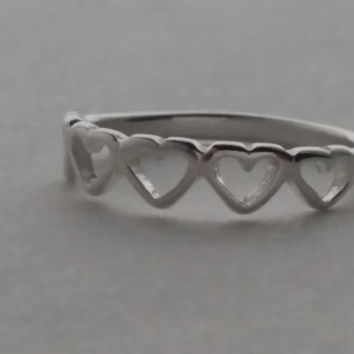 Heart Ring, Love ring - Valentines Ring - Sterling Silver Stacking Ring