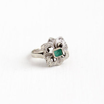 Vintage 18k White Gold Emerald Ring - Retro 1950s 1960s Size 6 1/4 Statement Flower Floral Filigree Fine Green Gemstone Cocktail Jewelry