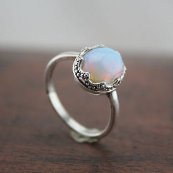 simple silver oval moonstone ring