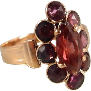 Rare antique 18K rose gold and garnet ring, early Victorian era, fully hallmarked