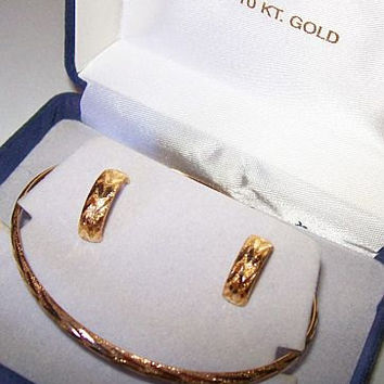 Gold Etched Bangle Bracelet & Huggie Earrings 10K YG Boxed Set Signed  Vintage 1990s